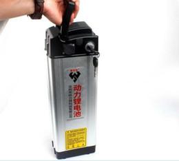Batería recargable de iones de litio de 48 V 20ah con cargador de estante trasero en estante ebike desde fabricantes