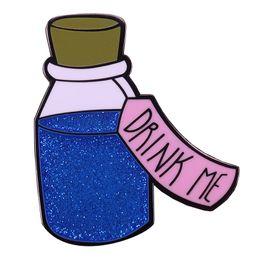 Alice au pays des merveilles Drink Me émail broche faveur de mariage cadeau faveur faveurs insigne ? partir de fabricateur