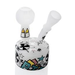 Fuma bong de água branca on-line-Bong Dab equipamento Branco bonito tamanho mini borbulhador de vidro inebriante tubulação de água equipamentos de recreio de petróleo narguilé para fumar 14mm conjunta