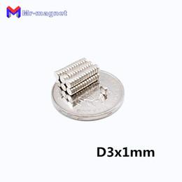 2019 imanes sıcak satış 80 derece Süper Güçlü Dolabı Magnet 500 adet D3x1mm 3x1mm N35 kalıcı Nadir Toprak mıknatıslar 3mm x 1mm Eksenel mıknatıslı nereden