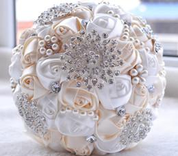 2019 piante di rose desertiche Matrimonio artificiali Mazzi Rose Fiori Cristallo Strass Bouquet da sposa nuziale Avorio Europa e America fatti a mano Accessori da sposa