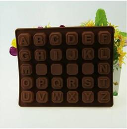 Lettres cubes en Ligne-En gros Livraison gratuite 26 lettres Bloc Moule Glaçon En Silicone Bakeware DIY Cuire Modèle Chocolats