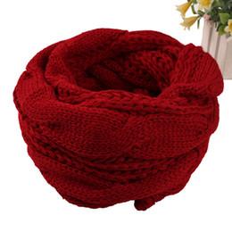 étoles à col Promotion Dames Femmes Warm hiver anneau foulard collier câble tricoté étoles unisexe cou cercle écharpes chauffe chaud Snood bufandas 12 couleurs rouge
