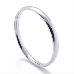 Einfache 2mm preiswerte Edelstahl-Ringe für Frauendamen Massenschmucksache-preiswerte Ringmänner arbeiten Mädchengeschenke Tropfen-Verschiffen um von Fabrikanten