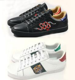 cuir brodé Promotion Top Big Size 48 us13 chaussures de designer ACE luxe brodé blanc noir tigre abeille snake chaussures en cuir véritable Sneaker Hommes Femmes Casual Chaussures