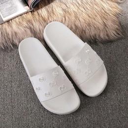Argentina 2019 hombres mujeres sandalias zapatos de diseño de lujo de diapositivas de moda de verano ancho sandalias resbaladizas deslizador Flip Flop tamaño 35-45 caja de flores Suministro