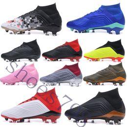 2019 botas de futebol cr7 preto branco Caixa de 2019 crampons de chuteiras de futebol predador 18 + botas mens scarpe da juventude FG futebol esporte sapatos tênis correndo scarpe chaussures