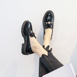 Весна круглый носок британский стиль женская обувь старинные металлические украшения из лакированной кожи женские мокасины толстые каблуки размер 33-42 от