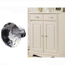 2019 armarios de cristal Manijas del gabinete para muebles de cocina 30 mm Forma de diamante Manijas del diseño Cajones Perillas Delicate Crystal Glass Knobs Tirones del armario DH0921 armarios de cristal baratos