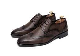 Sapatos elegantes couro homens on-line-Plus Size 38 ~ 47 Preto Sapatos de Vestido Para Homens Homens De Couro Designer Britânico Brogue Sapatos Elegantes Conforto Apontou Toe Flats Casamento 1a28