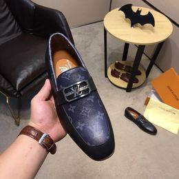 Mejores zapatos de vestir grises online-Best 8 Modelo Alta calidad Mocasines hechos a mano Hombres Zapatos de vestir Zapatos ligeros Adultos Usar Bien Metal Point Regalo Marrón Negro Gris