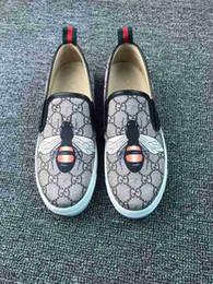 2019 zapato de fondo plano único Otoño Nuevo patrón Viejo Beijing Zapatos de tela Mujer Pescador Parte inferior plana Un pedal Casual Solo Suela blanda de mamá Respirador Moda Cuero zapato de fondo plano único baratos