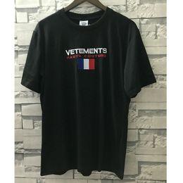 Bandiere per donne online-Streetwear Vetements T-Shirt Donna Uomo 1v: 1 Ricamo sciolto Vetements Top Tees 19 Estate casual Francia Bandiera Vetements T-Shirt
