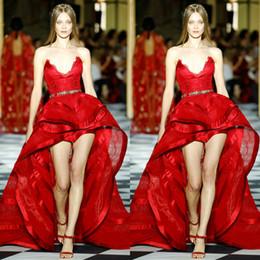Zuhair Murad vestidos de fiesta rojos 2019 Sweetheart Lace Hi Lo Vestido de noche con volantes en capas Vestidos de fiesta de cóctel atractivos batas de fiesta desde fabricantes