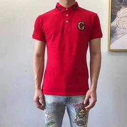 Аппликация с вышивкой из майки онлайн-G письмо Аппликация Мужские рубашки поло Змеиная пчела Вышивка Мужская рубашка поло Дизайн одежды Красные бело-черные футболки поло