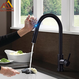 faucets de toque Desconto Fosco preto sensor de cozinha torneira sensível toque inteligente torneira de controle torneira misturadora de toque sensor de cozinha inteligente preto torneira