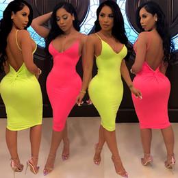 Vestido clubwear abierto online-Moda Sexy Clubwear Mujer Color sólido Vaina Hasta la rodilla Vestidos Correa de espagueti con espalda abierta Vestido delgado sin mangas HL1001