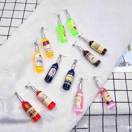 2019 wein rote ohrringe Personalisierte Simulation Rotweinflasche baumeln Ohrringe für koreanische Frauen Version Lustige Bar Nachtclub Hip Hop Schmuck Geschenk rabatt wein rote ohrringe