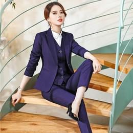 Ufficio di pantaloni viola online-Signore d'ufficio di alta qualità Viola Blazer Business Women si adatta a 3 pezzi Pant, giacca e gilet Imposta abiti da lavoro OL Stili