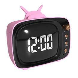 Supporto porta tv online-Altoparlante Bluetooth stile TV con supporto per telefono Display a specchio LED Sveglia Wireless Soundbox portatile Subwoofer Altoparlante stereo HiFi