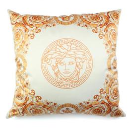 2019 travesseiro real Nordic luxo real do ouro local de alta precisão simulação de seda almofada travesseiro sofá abraço fronha de almofada casa mogno almofada de cetim com lance travesseiro real barato