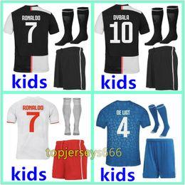 Трикотажные изделия футбола онлайн-New Juventus soccer tracksuit 2018-2019 RONALDO DYBALA jogging Italy ICARDI NAINGGOLAN HIGUAIN SUSO football training suit