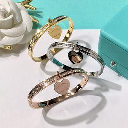 Moda fine diamante online-2018 nuovo marchio Double T moda in acciaio inox marchio cuore bracciali per le donne con cz diamante amore braccialetto new york fine Jewelry