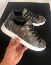 nouvelles chaussures à glissière pour garçons Promotion Top femmes de qualité hommes nouvelles chaussures mode stan smith sneakers Casual appartements classiques sport en cuir 2019 Taille 36-44