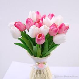 2019 fleurs de tulipes artificielles Haute QualityCcinee 30pcs En Gros Pu Tulipes Artificielles Pour La Décoration de La Maison / Fleur Artificielle Mariée Tenant Des Fleurs Pour Mariage fleurs de tulipes artificielles pas cher