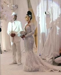 Kim kardashian vestido de penas on-line-vestido de noite Ziadnakad Yousef aljasmi Querida White Feather Cristal Zuhair Murad 2018 Kim kardashian Kylie Jenner