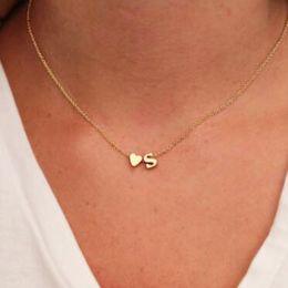 Colgante corazon estilo corazon de amor online-Lindo estilo coreano amor corazón carta colgante collares para mujeres cadena de oro simple Vintage geométrica collar de clavícula regalo de la joyería YN61