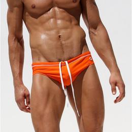 7d69d6e81f087 Slip de bain à la mode pour hommes sexy taille basse hommes maillots de bain  en nylon solide plage Bikini maillot de bain Spa maillot de bain