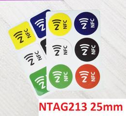 etiqueta de etiquetas de papel Desconto 6 cores NFC tag Etiqueta 13.56 Mhz Ntag213 Papel De Etiqueta Com Adesivo de 25mm de Diâmetro Compatível Com Todos Os NFC Telefone Android 600 pcs Navio Livre