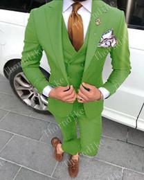 cravatta verde chiaro giubbotto Sconti High Quality One Button Green Light giovani Uomini smoking dello sposo picco risvolto uomini vestiti di cerimonia nuziale / promenade / Cena Best Man Blazer (Jacket + Pants + Vest + Tie)