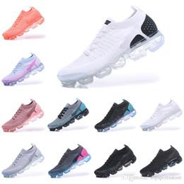 best sneakers 525cf 389c6 2018 Été Nouveau Style Fly 2.0 Chaussures De Course Pour Hommes Et Femmes  Taille 36-45 Noir Blanc Rouge Bleu Rose Gris 11 Couleurs promotion taille  des ...