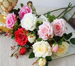 Düğün decoratio yüksek kalite yapay çiçekler Canlı gerçek dokunmatik güller Yapay Ipek Çiçek Gelin Ev Dekoratif 3 kafaları / buket GB48 nereden
