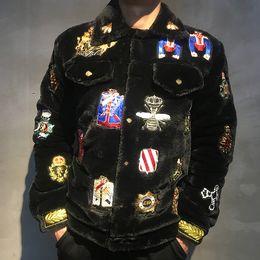 Abiti di marca della volpe online-Pelliccia di Nuovo arrivo di moda ape fox distintivo corona reale ricamo invernale cappotto parka giacche per gli uomini di marca di design abbigliamento outwear