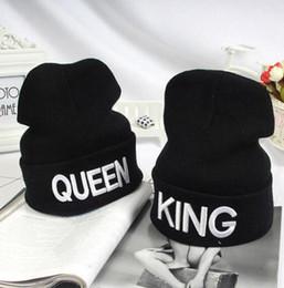 Königin beanies online-König Königin Beanie Wintermützen Brief Englisch Männer Frauen Hut Beanies Gestrickte Hip Hop Caps Weibliche Paar Warme Wintermütze