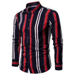 Camisas de vestir delgadas con estilo para hombre online-Camisa de vestir para hombre con estilo Tiras dobles Solapa Camisa de manga larga para hombre Ropa Slim fit Blanco Negro Nuevo