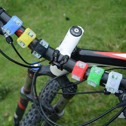 bicicletta rana Sconti Lampada per ciclismo bicicletta Testa di bicicletta in silicone Luce per rana Ruota posteriore LED Flash Lampada per bicicletta Lampada per fanale posteriore per fanale posteriore ZZA648