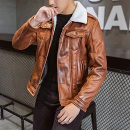 2019 botón de chaquetas de cuero para hombre Chaquetas de moda para hombre Tallas grandes Hombres Abrigo Streetwear Hip Hop Cálido Forro de la solapa del botón de cuero falso Outwear Abrigo chaqueta masculina botón de chaquetas de cuero para hombre baratos