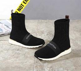 Hot Branded Mujer Correa Calcetín Entrenador Botas Chica de moda Carta Estiramiento Textil Strip Sneaker Boots Diseñador Lady Patch suela de goma zapatos desde fabricantes
