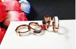 2019 anéis grátis para homens Venda quente 316L titanium aço moda anel com esmalte quatro cores mulheres e homem marca original h anel jóias frete grátis anéis grátis para homens barato