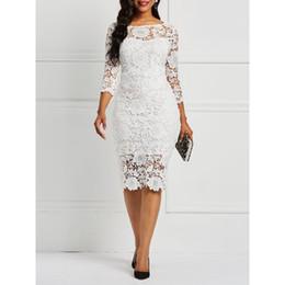 0b214d58a31 Frauen Midi Kleider Elegant Weiß Sexy OL Bodycon Floral Hohl Spitze  Weibliche Mode Party Chic Damen Mantel Damen Kleider günstig blumenspitze  kleid midi
