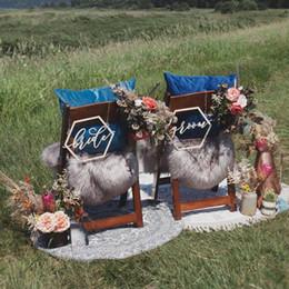 Segni geometrici della sedia di nozze, segno della sedia dello sposo e della sposa, insegna di legno, decorazioni di nozze, arredamento rustico, tavola D da