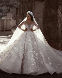 Dubai dresses designs on-line-Desenhador Dubai Real mangas compridas vestidos de casamento Lace Applique de cristal Flores vestido de casamento de luxo vestidos de noiva Custom Made