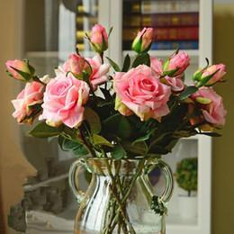 Düğün Dekorasyon Yüksek Kalite Yapay Çiçekler Canlı Gerçek Dokunmatik Güller Yapay Ipek Çiçek Gelin Ev Dekorasyonu 2 Kafaları / buket supplier high quality wedding bouquet bride nereden kaliteli düğün buket gelin tedarikçiler