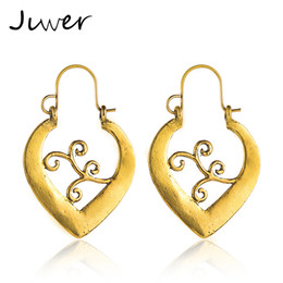 2019 креольские серьги JLWER Jewelry Wave Hollow Heart Shaped Big Circle Hoop Earrings Creole for Women Silver Gold Vintage  Metal Loop Earrings скидка креольские серьги