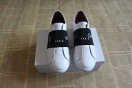 ba34d4c61ab Femmes de haute qualité mode luxe en cuir blanc vêtements de sport  chaussures plates Designer Lady Black blanc baskets pour les femmes taille  35-46 ...