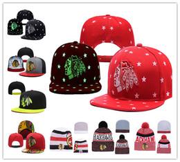 Gorritas tejidas blancas rojas online-Sombreros de Chicago Blackhawks Hockey sobre hielo Tejidos bordados Sombrero ajustable Gorros Snapback bordados Negro Blanco Rojo Gris Sombreros cosidos